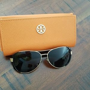 Tory Burch sunglasses with case woman's